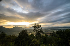 De zon die op Berglandschap glanzen Royalty-vrije Stock Foto