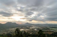 De zon die op Berglandschap glanzen Stock Fotografie