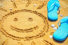 De zon die op zand wordt getrokken Stock Fotografie