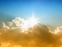 De zon en de wolken Stock Foto's