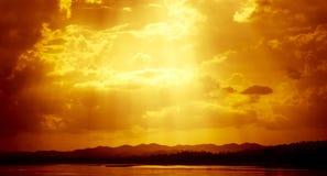 De zon is glanst Stock Afbeeldingen