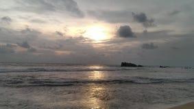 De zon was in het strand stock afbeeldingen