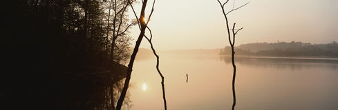 De zonneschijn van de rivier Stock Foto's