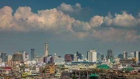 De zonnige de stadscityscape van hemelbangkok tijdspanne van de panorama4k tijd Thailand stock footage