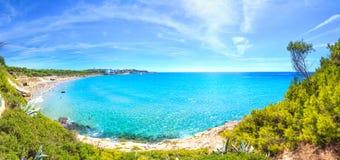 De zonnige toevlucht van Costa Dorada stock foto