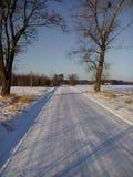 De zonnige Weg van de Winter Royalty-vrije Stock Fotografie