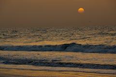 De zonreeksen bij Kotu-strand in Gambia Royalty-vrije Stock Afbeeldingen