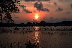De zonsondergang royalty-vrije stock fotografie