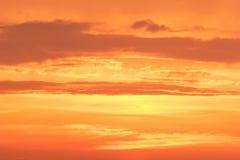 De zonsondergang betrekt het Globale verwarmen stock foto