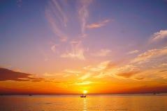 De zonsondergang maakt dit Pic zoals een paradijs stock foto's