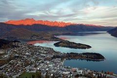 De zonsondergang Nieuw Zeeland van Queenstown Stock Foto