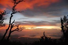 De zonsondergang in Thailand. Stock Foto