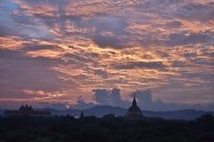 De Zonsondergang van Bagan royalty-vrije stock fotografie