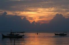De zonsondergang van boten Royalty-vrije Stock Foto's