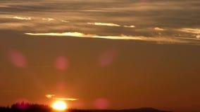 De zonsondergang van de avondhemel timelapse stock video