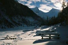 De zonsondergang van de berg stock afbeeldingen