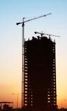 De zonsondergang van de bouw royalty-vrije stock afbeelding