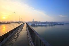 De zonsondergang van de brug Stock Foto's