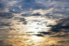 De zonsondergang van de herfst. Stock Afbeeldingen
