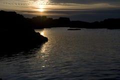 De zonsondergang van de kustlijn Royalty-vrije Stock Foto's