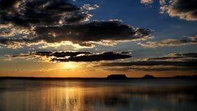 De zonsondergang van de oase stock foto's