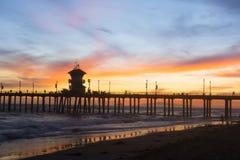 De zonsondergang van de Pijler van het Strand van Huntington royalty-vrije stock afbeelding
