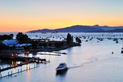 De zonsondergang van de zomer bij Engelse Baai Stock Foto