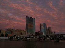 De zonsondergang van Grand Rapids stock foto
