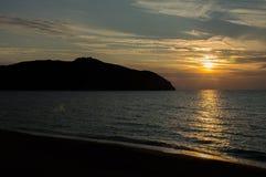 De zonsondergang van het Barattistrand Stock Foto