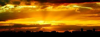 De Zonsondergang van het Land van de heuvel stock afbeeldingen