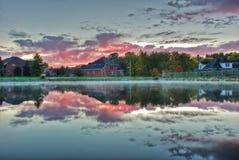 De zonsondergang van het meer. Stock Fotografie