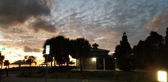 De zonsondergang van het het parkstrand van het ciprespunt royalty-vrije stock foto