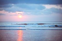 De zonsondergang van het Strand van Bali Kuta royalty-vrije stock foto
