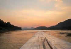 De Zonsondergang van Laos op de Mekong Rivier Stock Fotografie