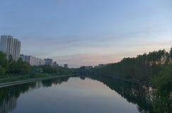 De zonsondergang van Moskou stock afbeelding