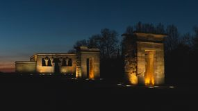 De zonsondergang van Nice na de Debod-Tempel in Madrid royalty-vrije stock afbeelding