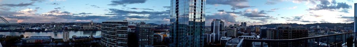 De Zonsondergang van de panoramanw Portland Oregon Horizon stock afbeelding