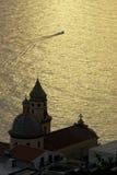 De zonsondergang van Praiano op het overzees Royalty-vrije Stock Fotografie
