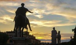 De zonsondergang van Rome stock afbeeldingen