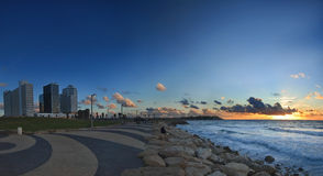 De zonsondergang van Tel Aviv Stock Foto's