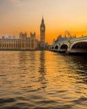 De zonsondergang van Westminster Stock Afbeeldingen