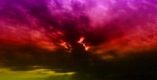 De Zonsondergang van wolken Stock Afbeeldingen