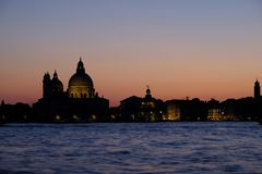 De zonsondergang in Venetië voor de kerk van gezondheid Royalty-vrije Stock Foto