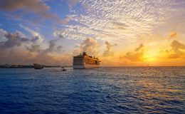 De zonsondergangcruise Riviera Maya van het Cozumeleiland royalty-vrije stock afbeeldingen