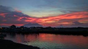 De zonsondergangdageraad zet aard Indonesië op Royalty-vrije Stock Foto