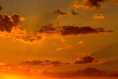 De zonsonderganghemel van Nice met wolken Royalty-vrije Stock Afbeeldingen