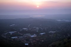 De zonsondergangmening van Bental zet in Golan Heights in Israël op royalty-vrije stock foto's