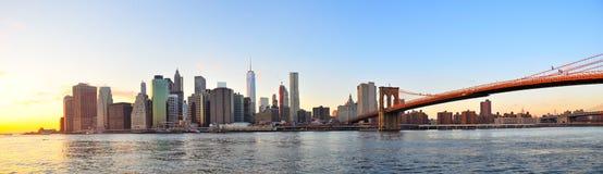 De zonsondergangpanorama van Manhattan, de stad van New York Stock Afbeeldingen
