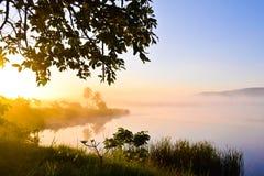 De zonsopgang op het meer bij wangnahmyen Stock Foto