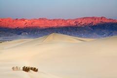 De zonsopgang van de Vallei van de dood Stock Foto's